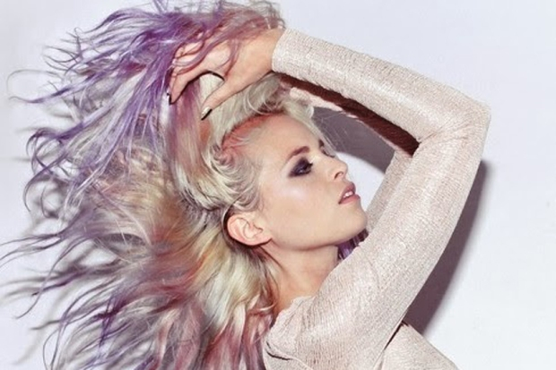 opal-and-mother-of-pearl-hair-color-2